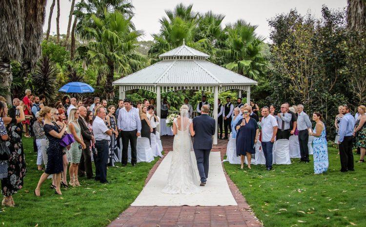 ۷ ترفند برای تهیه لیست مهمانان عروسی