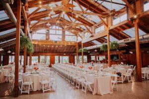مزایای استفاده از تالار های عروسی در کنار هزینه های مربوط به آن ها