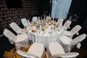 وجود یک سرویس بهداشتی کامل به ازای هر 25 صندلی به منظور اخذ مجوز اماکن برای عروسی