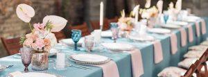 پذیرایی از مهمانان در جشن عروسی