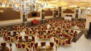 تالارها باید در برگزاری مراسم تنها از یک سوم ظرفیت خود استفاده کنند. در غیر این صورت فعالیتشان غیر قانونی خواهد بود.