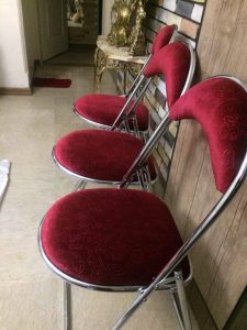 میز و صندلی تاشو علاوه بر سبک بودن، بسیار بادوام و مقاوم هستند.